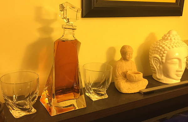 Decanter-on-stand
